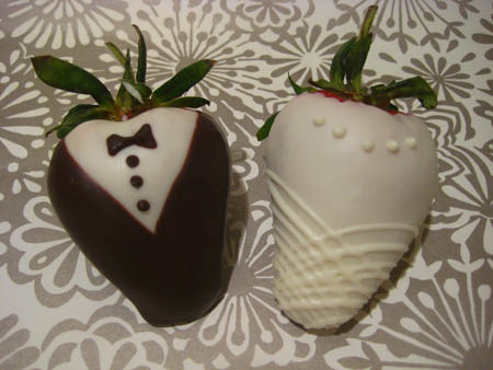 Bride & Groom Strawberries