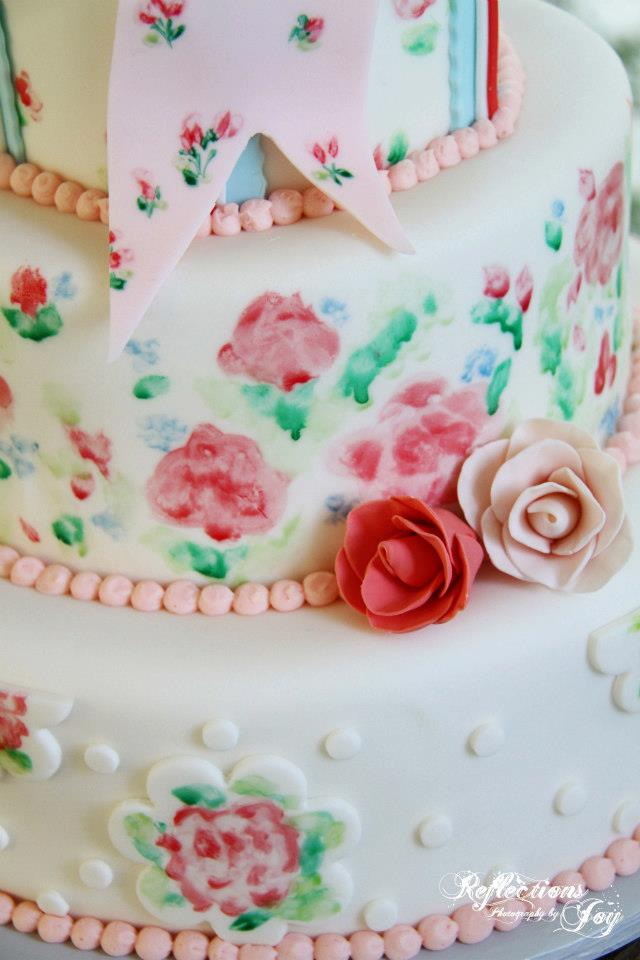 "Amia's vintage ""china"" pattern cake"