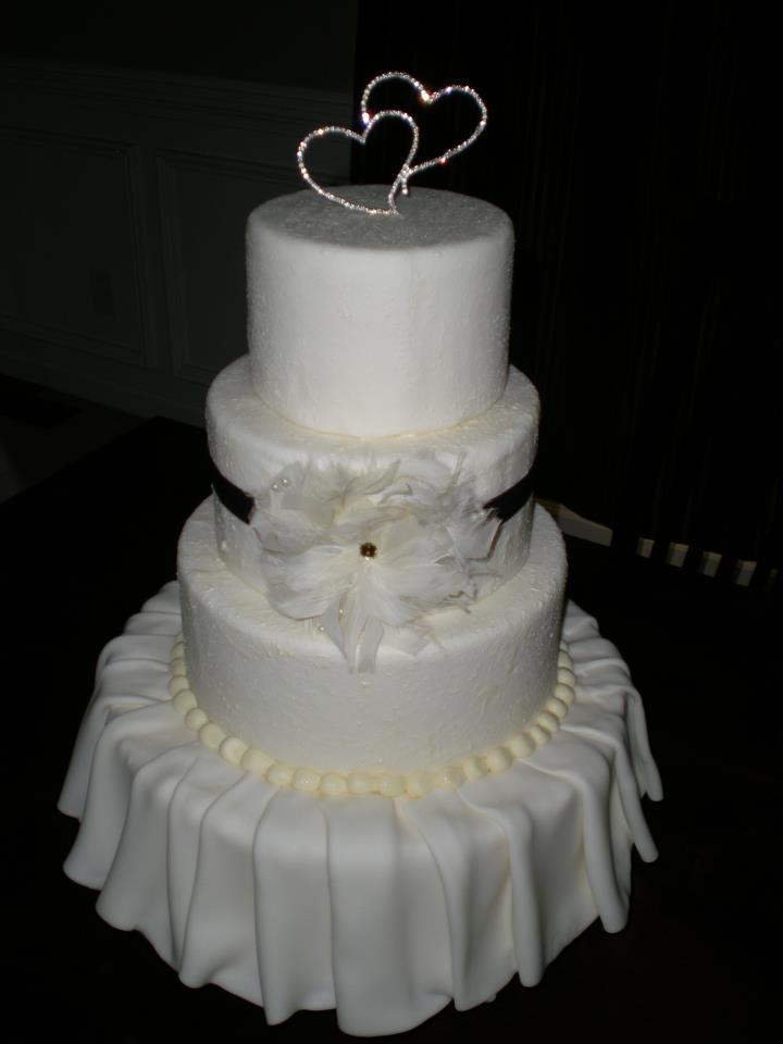 Show cake for The Venetian Room photo shoot