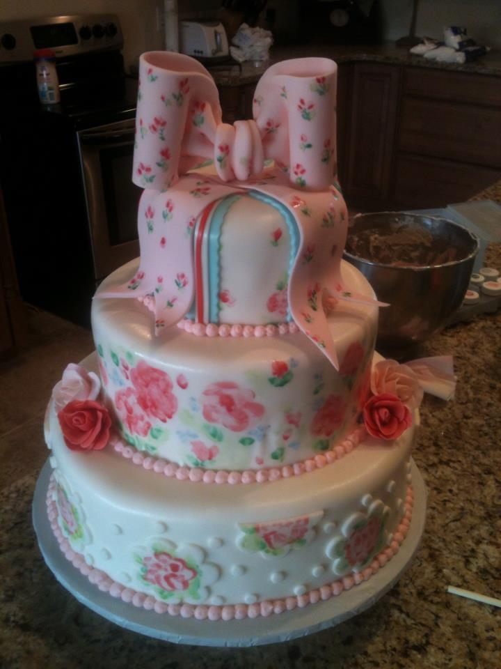 "Amia's vintage ""china"" pattern cake"