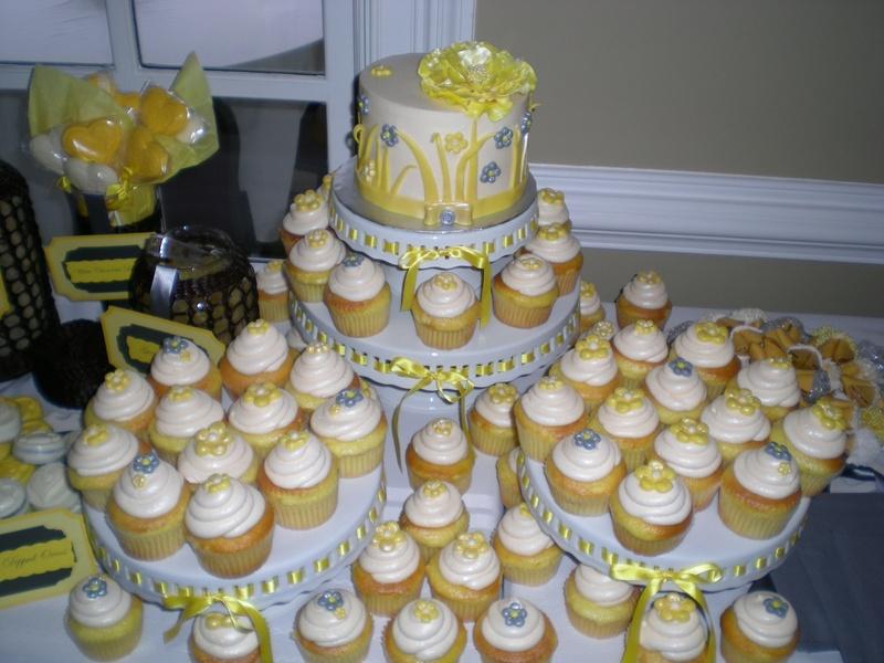 Tiffany's wedding cupcakes!