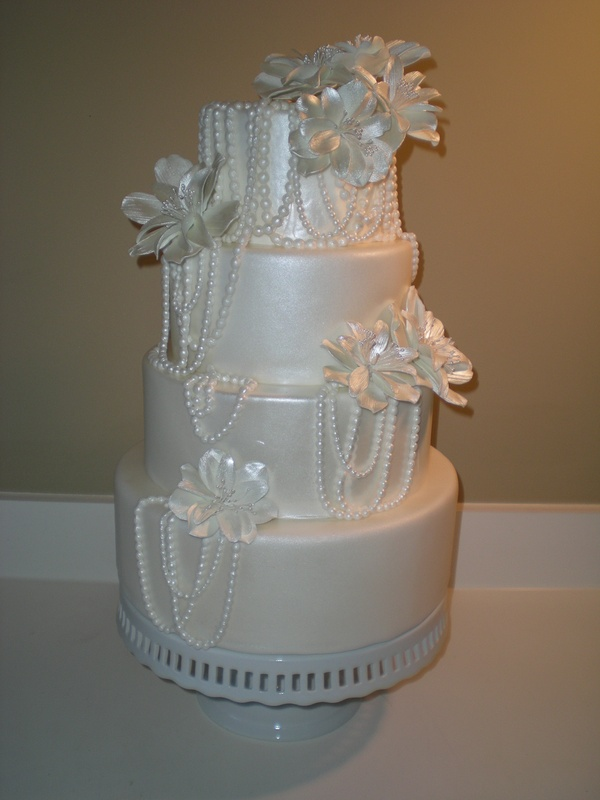 Show cake to go on display at Bravura Bridal!