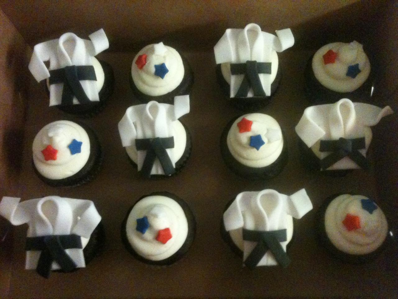 karate cupcakes